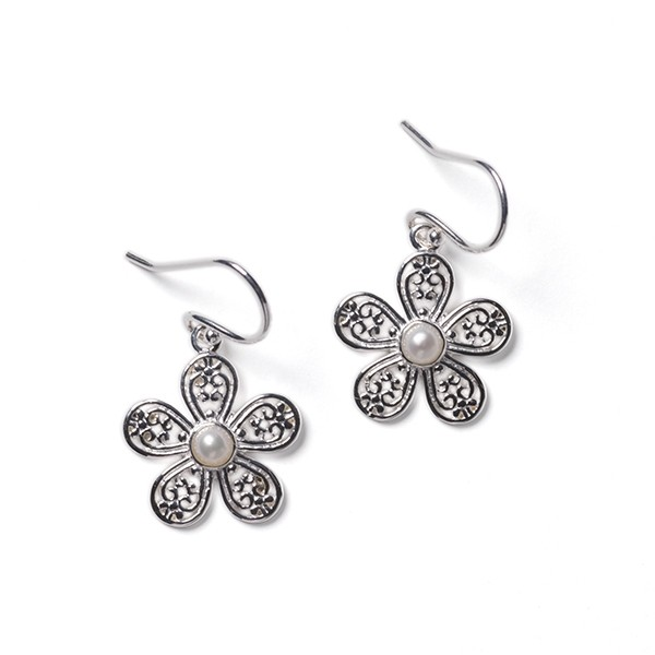Southern Gates E605 Courtyard Daisy Earrings