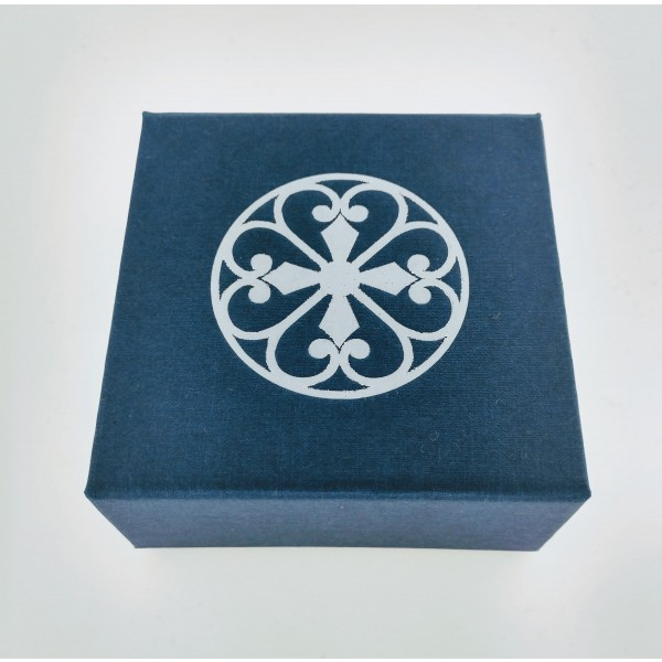 Southern Gates® Folding Gift Box with Cream Jewelry Pad