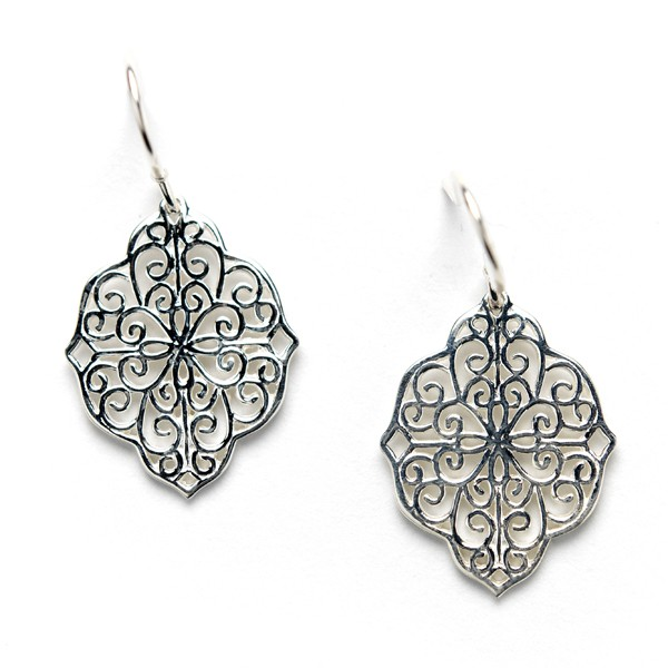 Southern Gates Collection Oblong Heart Design Earrings