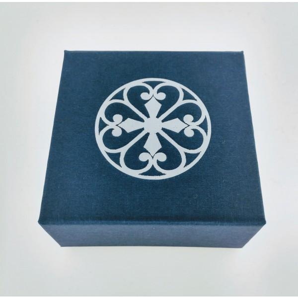 Southern Gates® Folding Gift Box with Cream Jewelry Pad