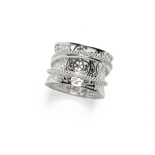 Southern Gates Ornamental Three Band Ring